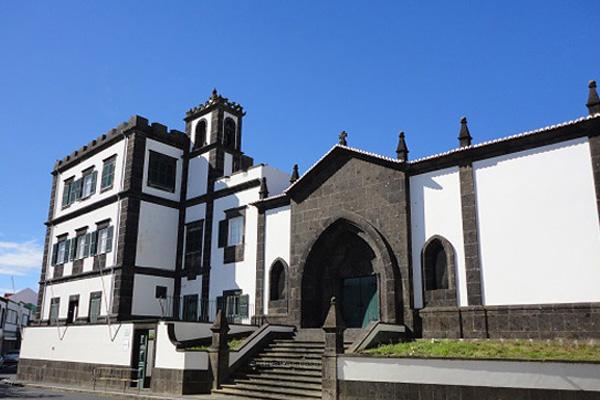 Igrejas de São Miguel e Graciosa só reabrem no dia 31 de maio