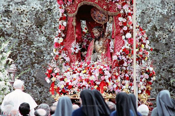 O Papa presidiu a uma Missa junto ao túmulo de São João Paulo II, na Basílica de São Pedro