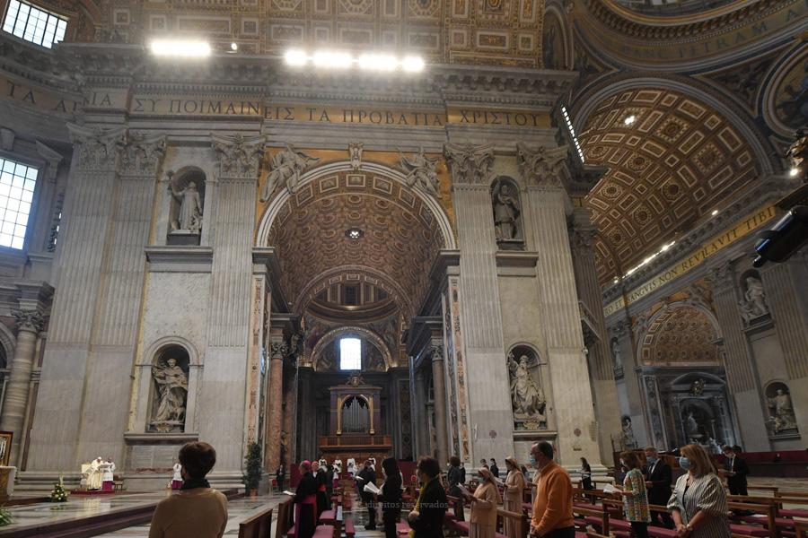 São necessárias verdadeiras correntes de solidariedade, diz o Papa Francisco