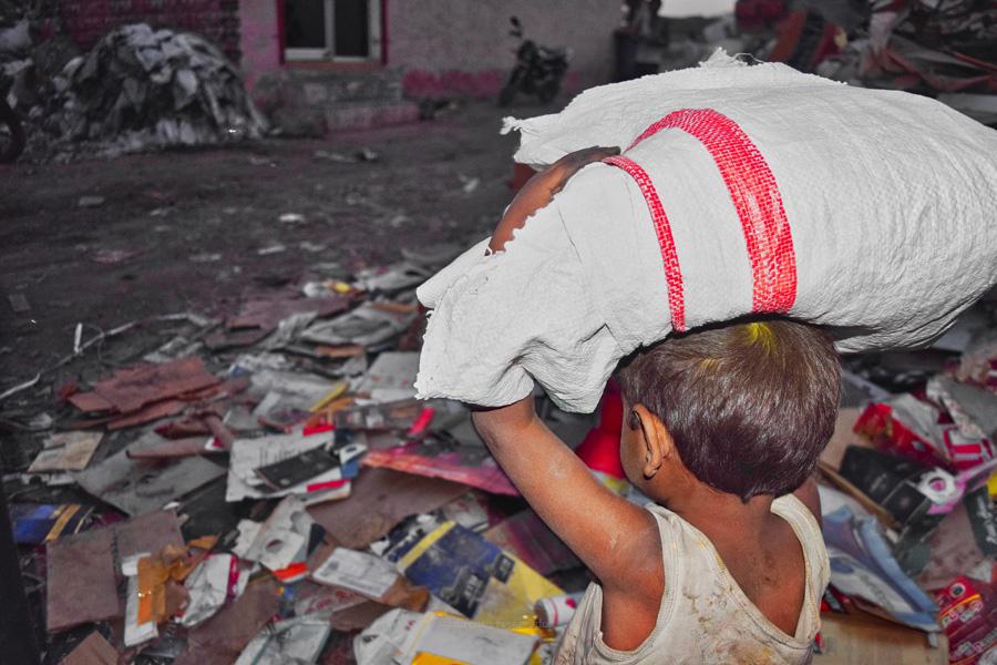 Papa lança alerta contra o trabalho infantil, uma nova forma de escravatura