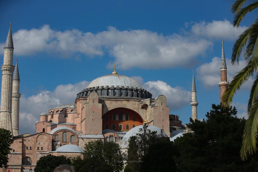 Papa lamenta decisão de converter a antiga basílica de Santa Sofia, em Istambul, numa mesquita