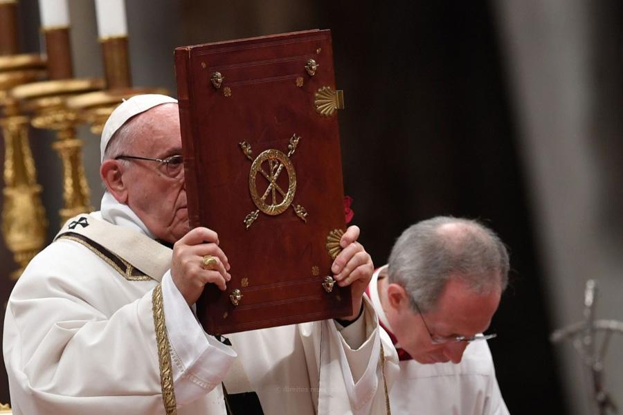 Papa publica documento sobre a Bíblia e questiona desconhecimento de texto fundamental do Cristianismo e da Cultura ocidental