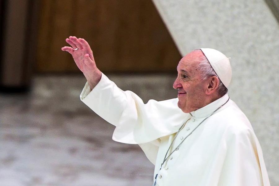 Papa refere necessidade de proteção legal para uniões entre pessoas do mesmo sexo