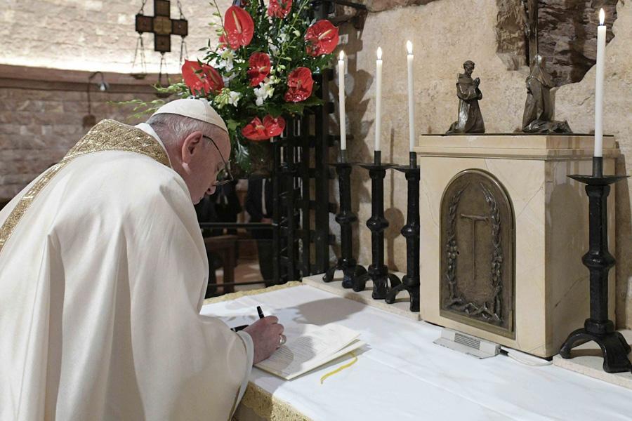 «Fratelli Tutti»: Francisco assinou 299ª encíclica na história
