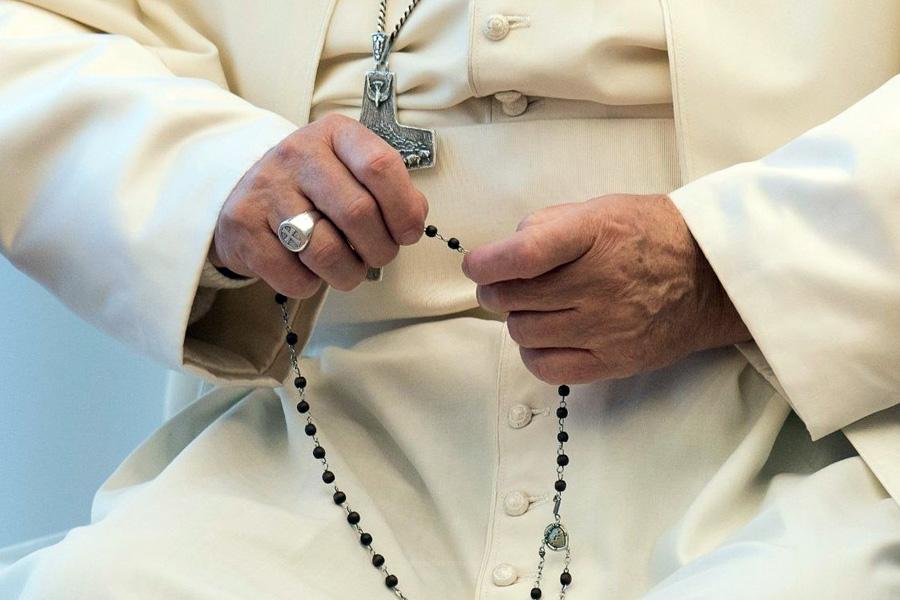 Papa evoca aparições de Fátima para pedir oração do Rosário em tempos de pandemia