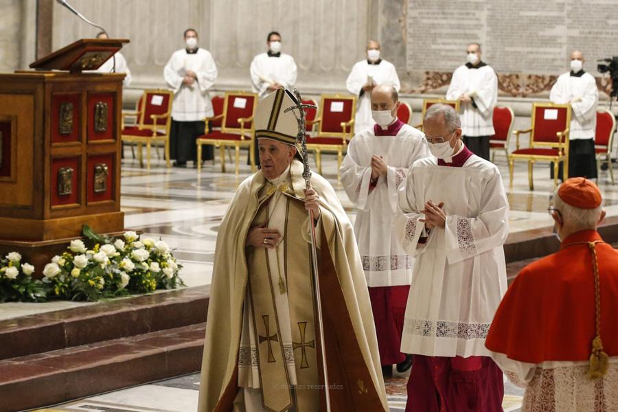 """Papa alerta cardeais para tentação de verem nova missão como uma """"distinção"""""""