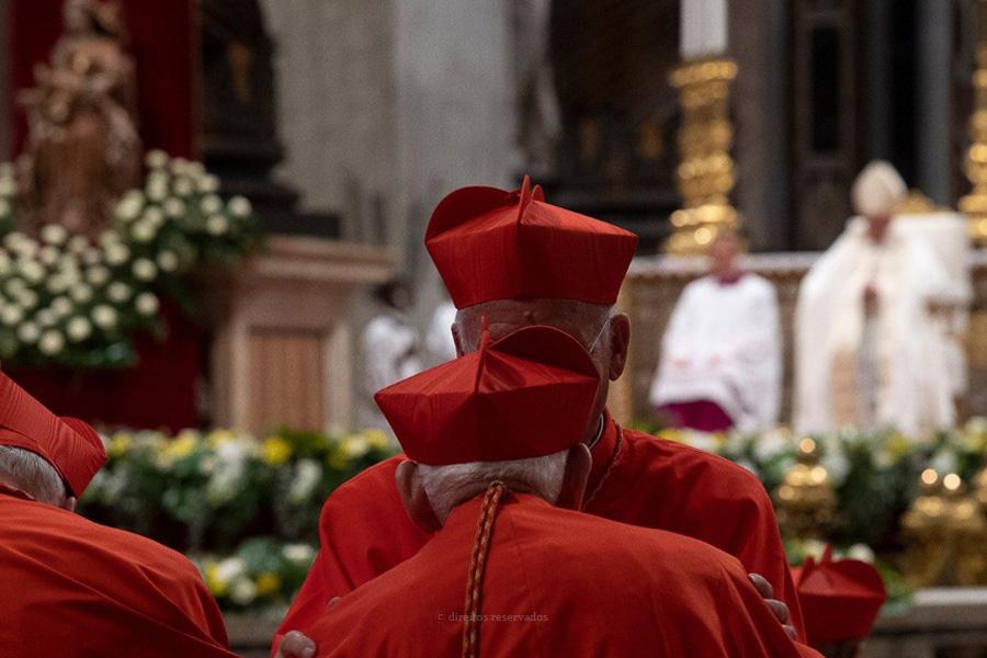 Vaticano vive hoje consistório diferente por causa da pandemia