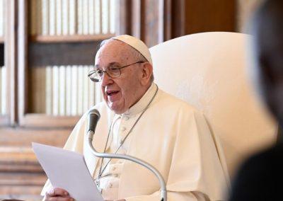 O problema do aborto não é principalmente uma questão de religião, mas de ética humana , afirma o Papa