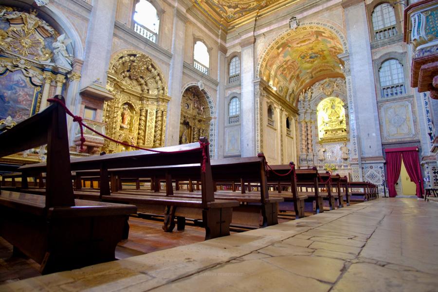 """Conferência Episcopal determina suspensão de Batismos, Crismas e Matrimónios, face a """"gravíssima situação"""" da pandemia"""