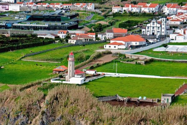 Ouvidoria de Vila Franca reabre Igrejas mas deixa Ponta Garça encerrada
