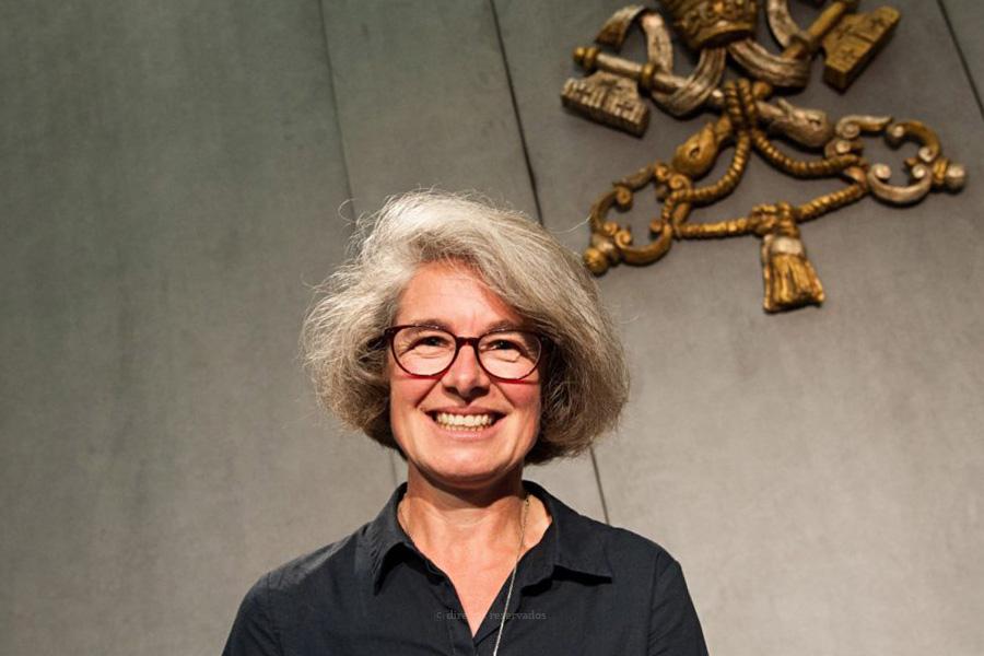 Nathalie Becquart será a primeira mulher com direito de voto no Sínodo dos Bispos