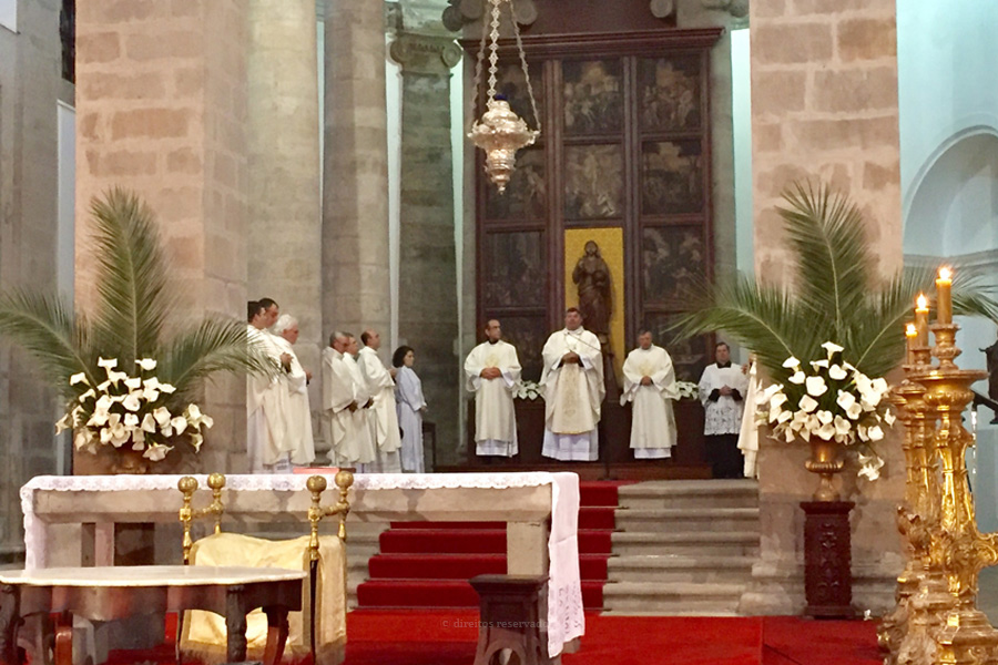 Celebrações da Semana Santa e Páscoa confinadas às Igrejas