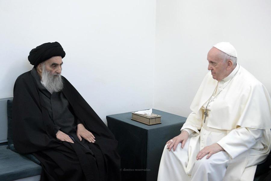 O Papa e o lider xiita, o aiatola Ali Al-Sistani