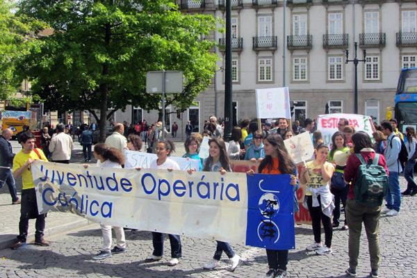 """1º de Maio: Desrespeito pelos direitos dos trabalhadores reflete-se nas famílias e gera """"problemas de saúde e educação"""""""
