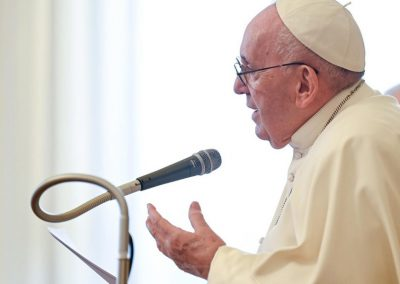Papa arremete contra especulação financeira e fala em situação «perigosa»