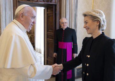 """Papa recebeu presidente da Comissão Europeia, que elogiou impacto da """"Laudato Si"""""""