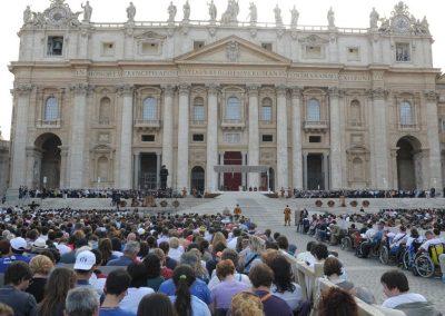 Vaticano publica novas regras para governo das associações internacionais de fiéis
