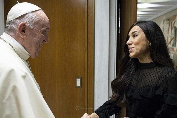 Papa Francisco recebeu a Nobel da Paz Nadia Murad