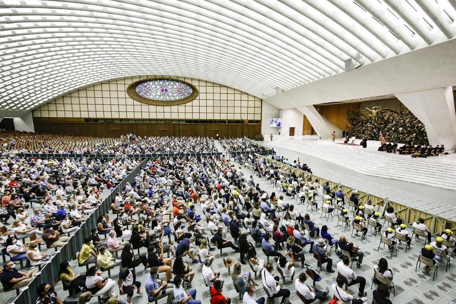 """Papa retoma audiências gerais, com alerta contra """"falsos pregadores"""" que deturpam o Evangelho"""