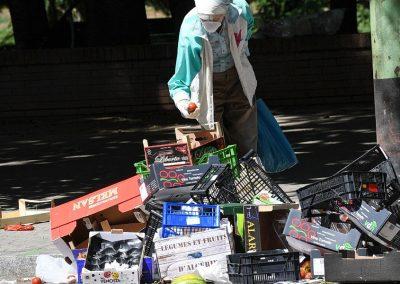 Papa denuncia busca ilimitada do lucro que leva a aumento da pobreza e dos conflitos